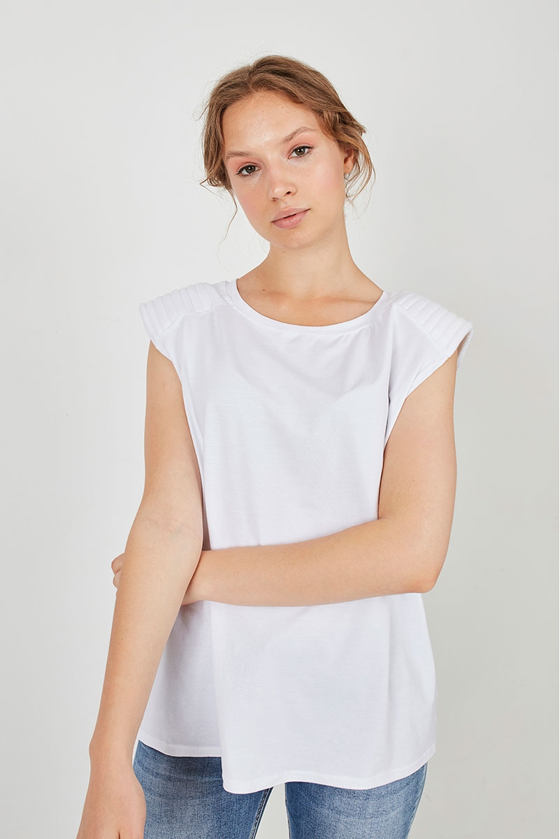 TOP WITH SHOULDER STRAPS WITH STITCHING