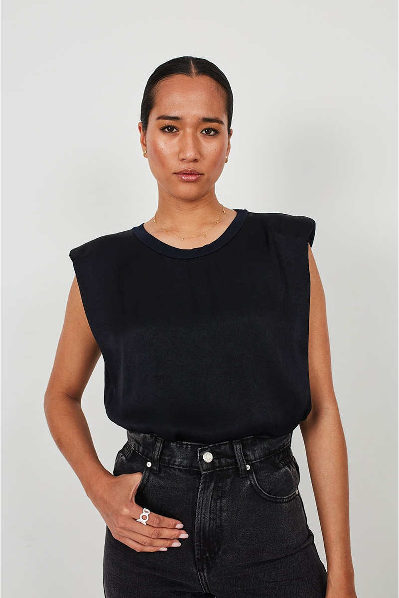 FLOWY TOP WITH SHOULDER PADS