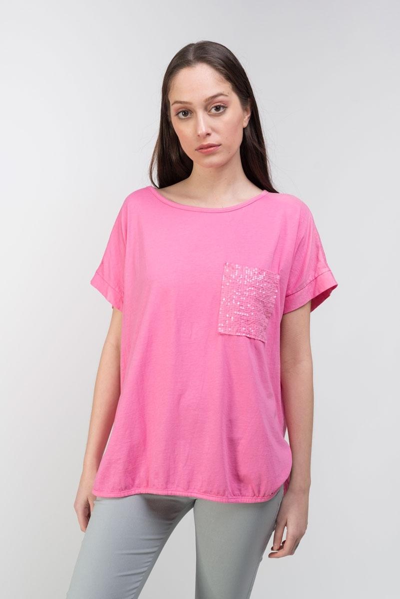 Camiseta fucsia bolsillo fantasía