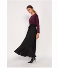 Fluid long skirt with bow