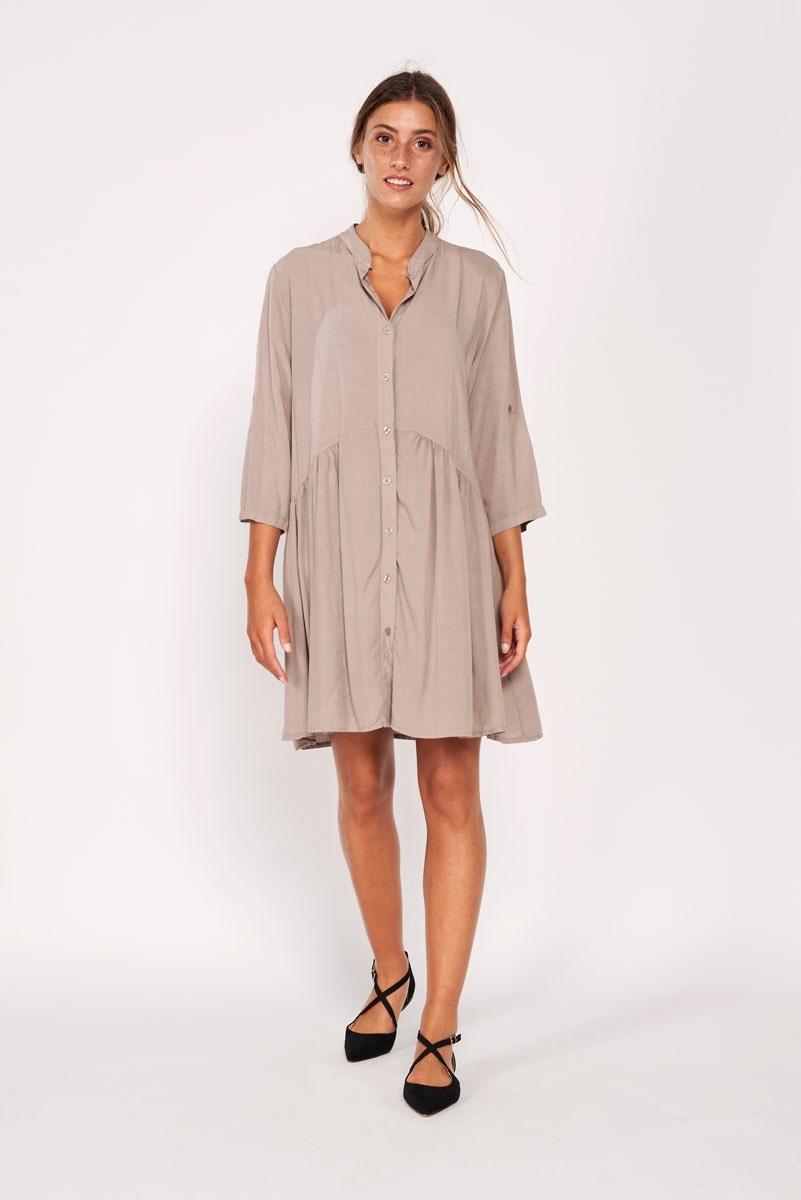 Fluid buttons dress