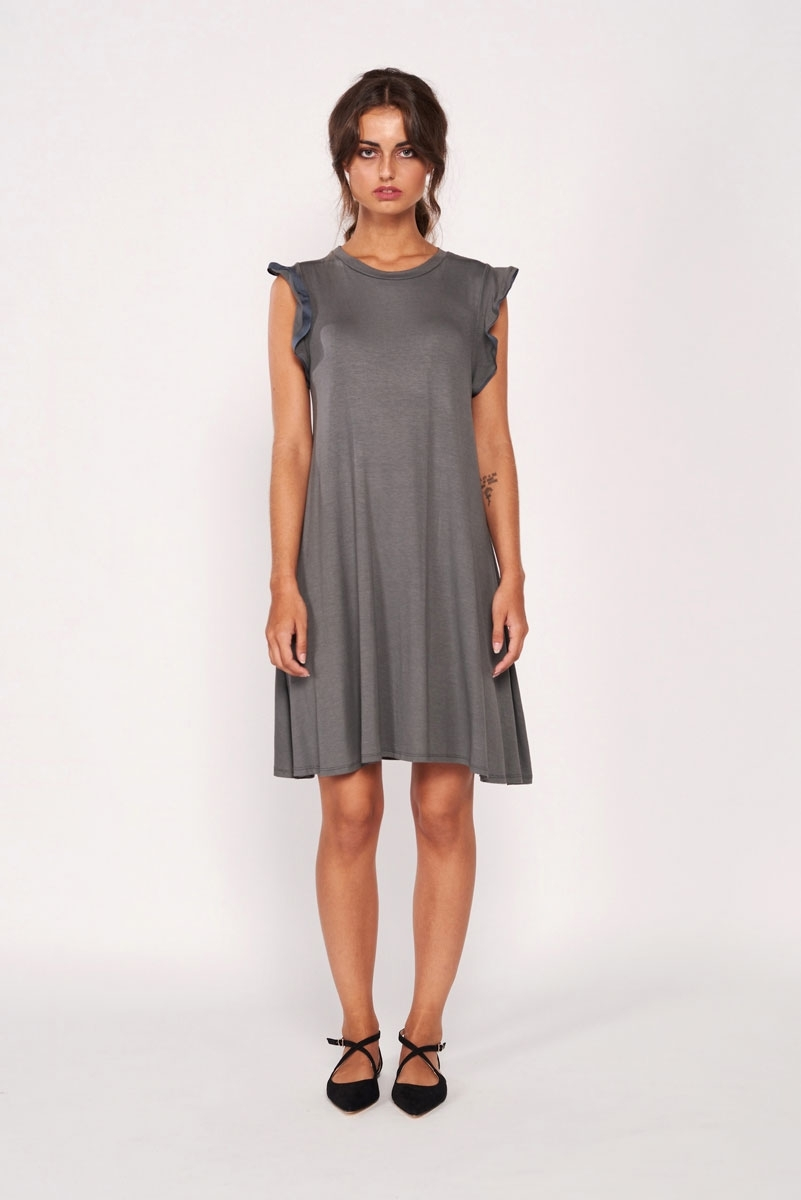 Fluid sleeveless dress