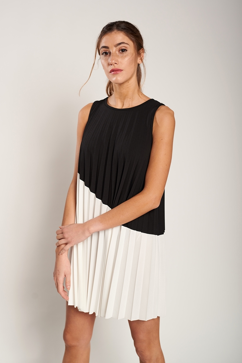 Vestido plisado combinado