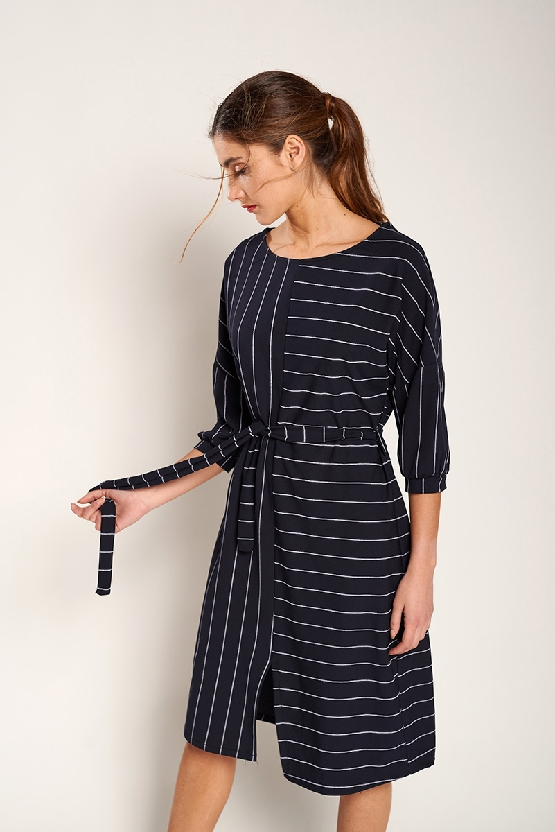 Midi dress with opening