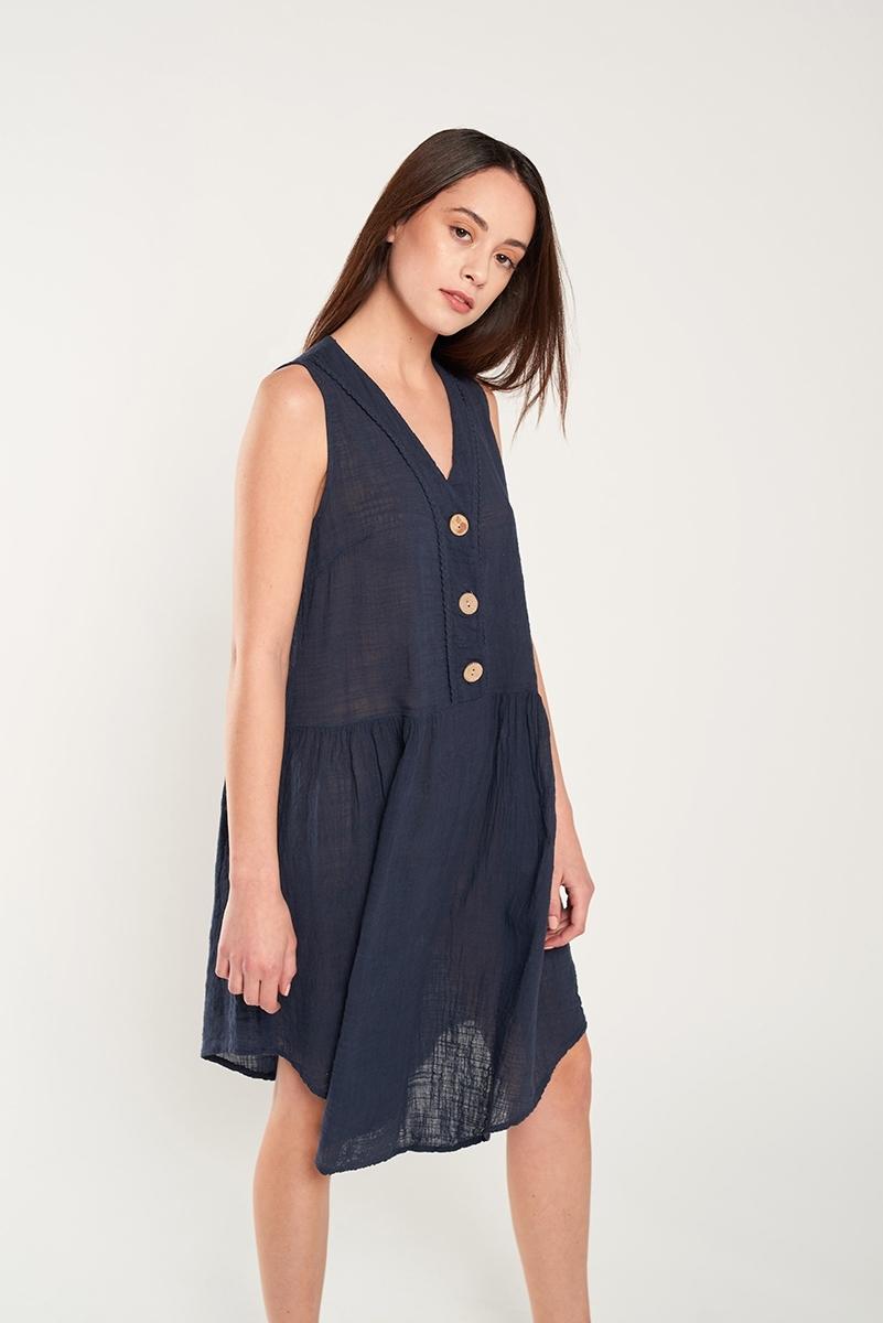 Linen dress buttons