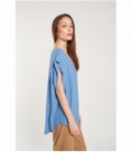 Smooth ruffle top on shoulder
