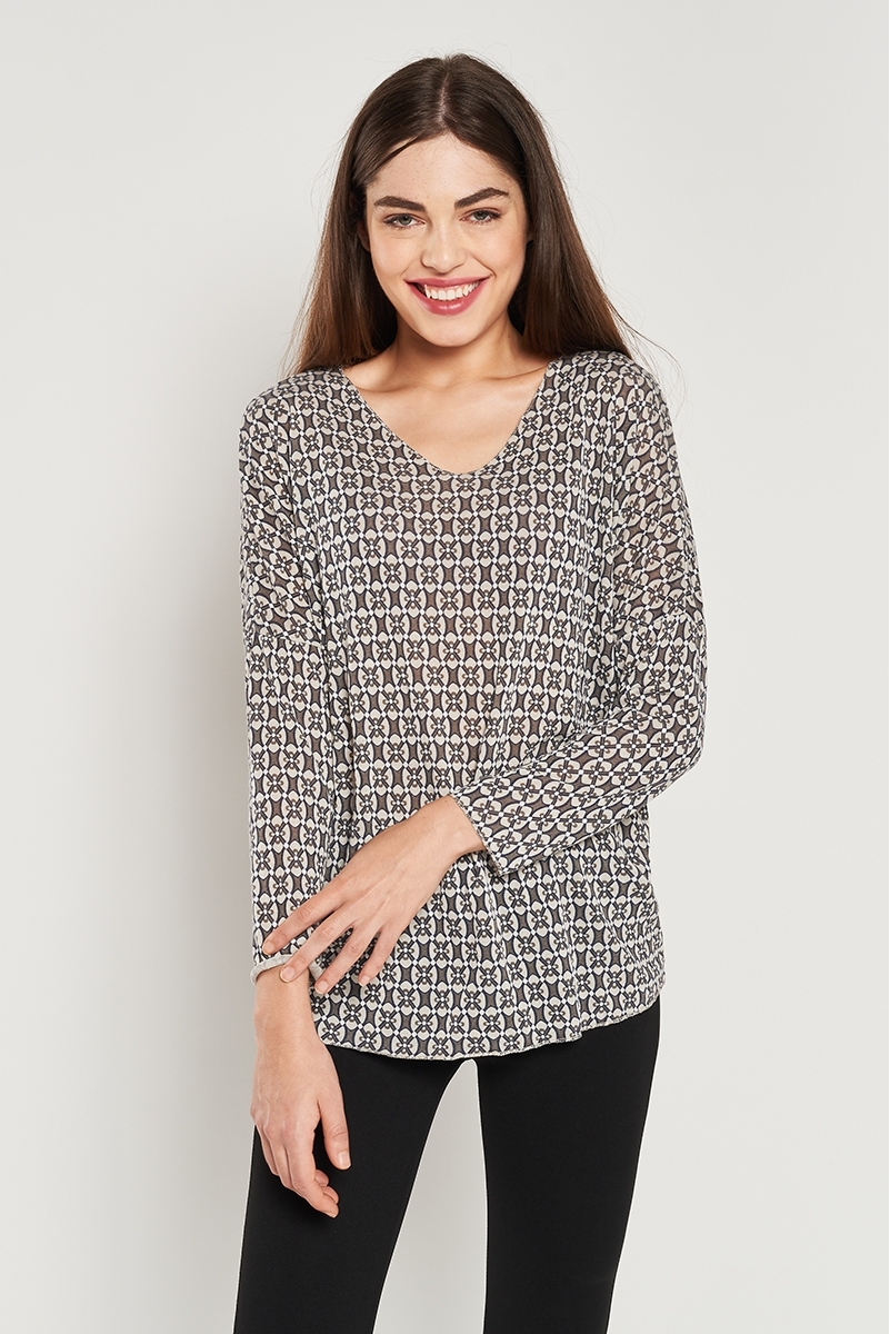 Geometric print t-shirt with metallic thread detail