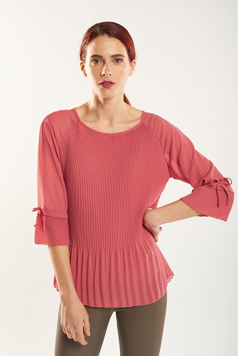 3/4 sleeve micro pleated top