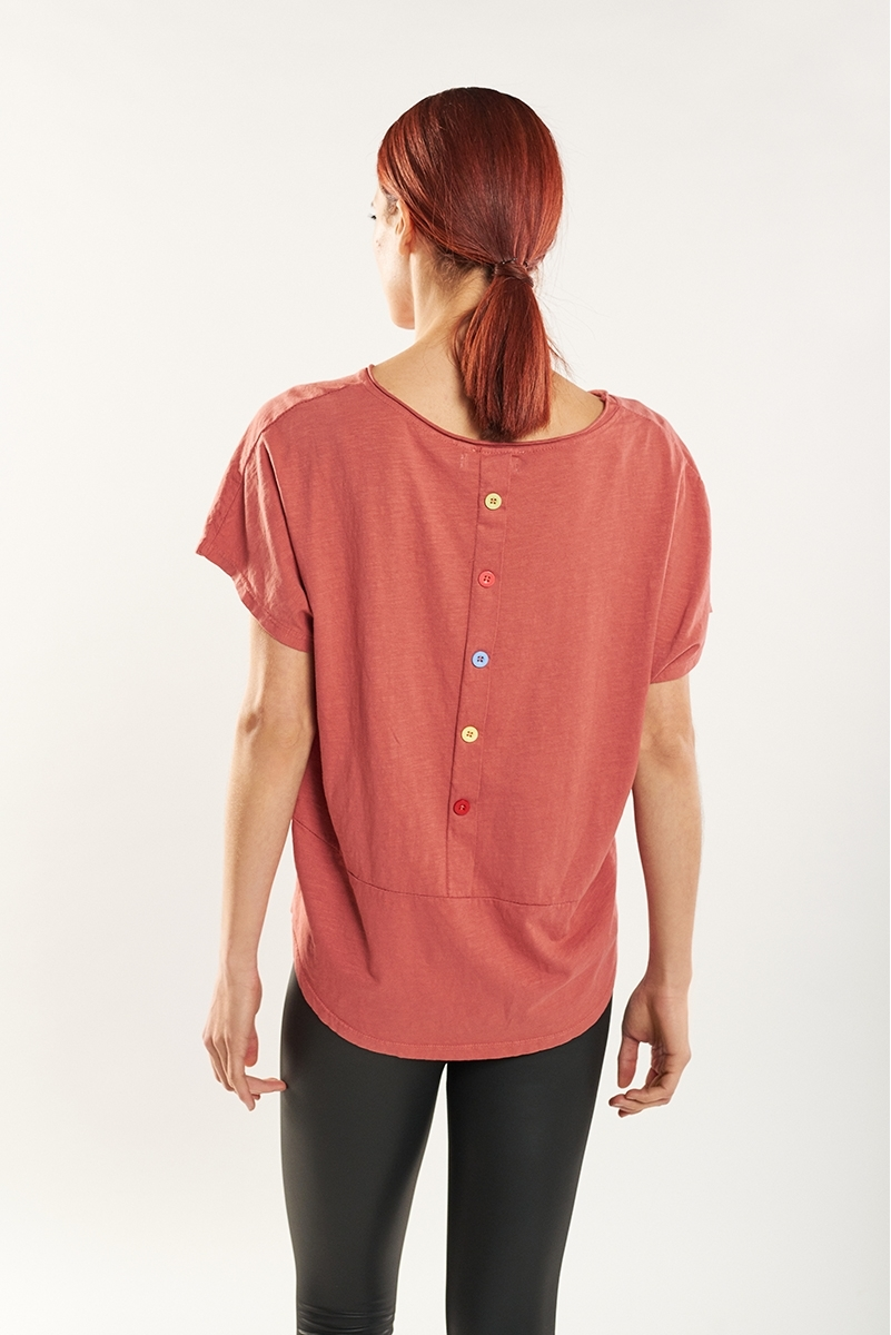 Button back t-shirt