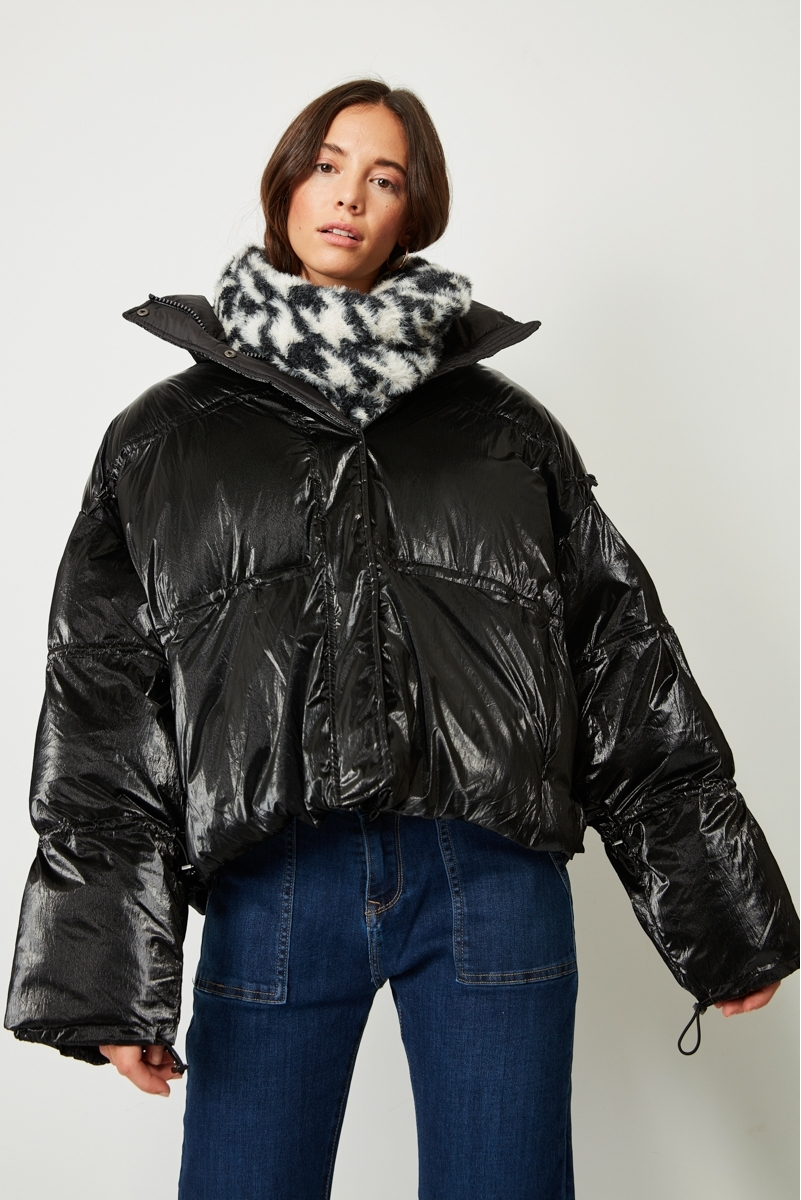 SHORT BRIGHT DOWN JACKET