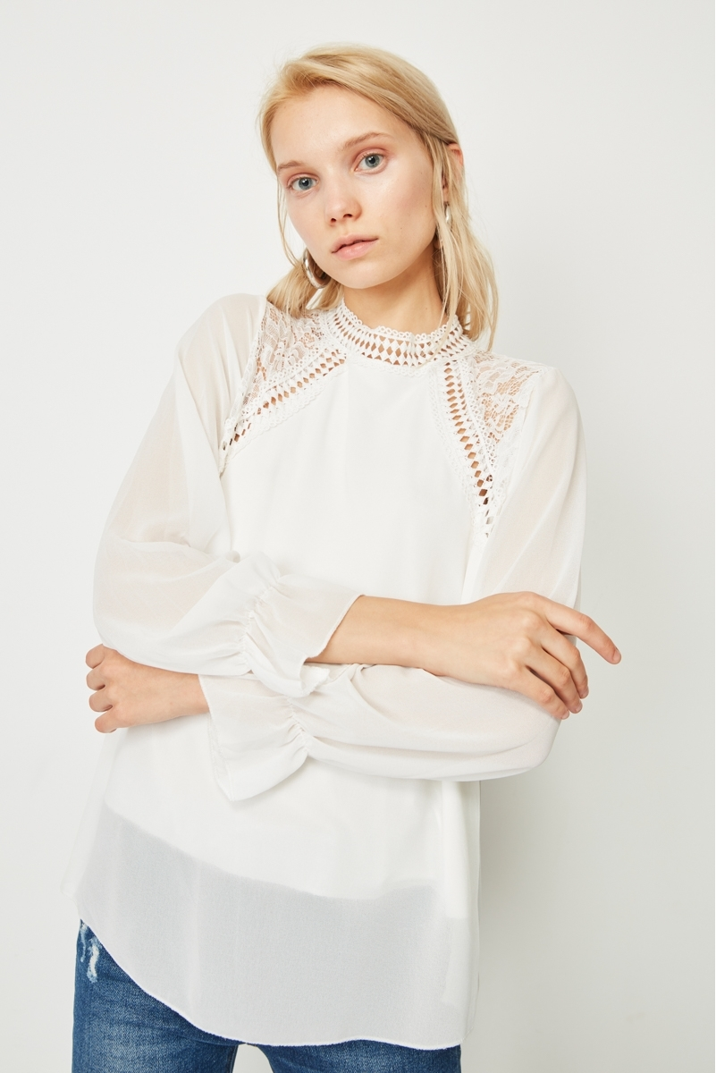 EMBROIDERED COMBINED BLOUSE